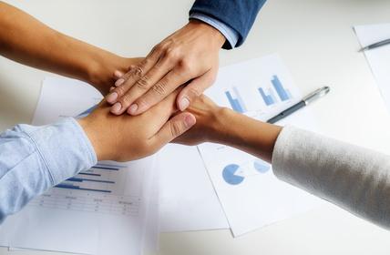 An Aufträge gelangen bei Industrie- und Großkunden – in 6 Schritten