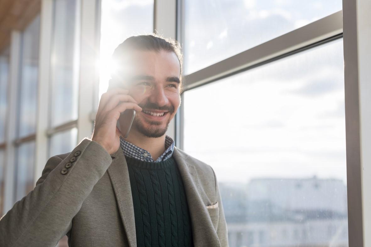 7 Tipps, wie Kundenbegeisterung am Telefon vom ersten Moment an funktioniert