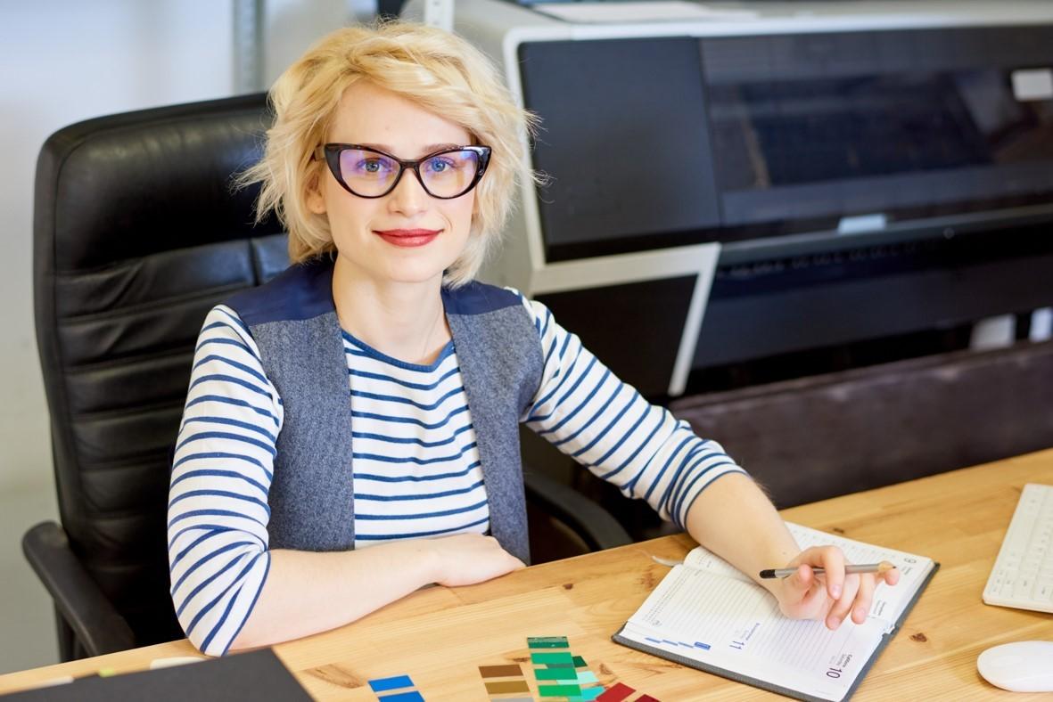 Der Berufsalltag am Schreibtisch – damit das sitzende Arbeiten auch der Gesundheit zu Gute kommt